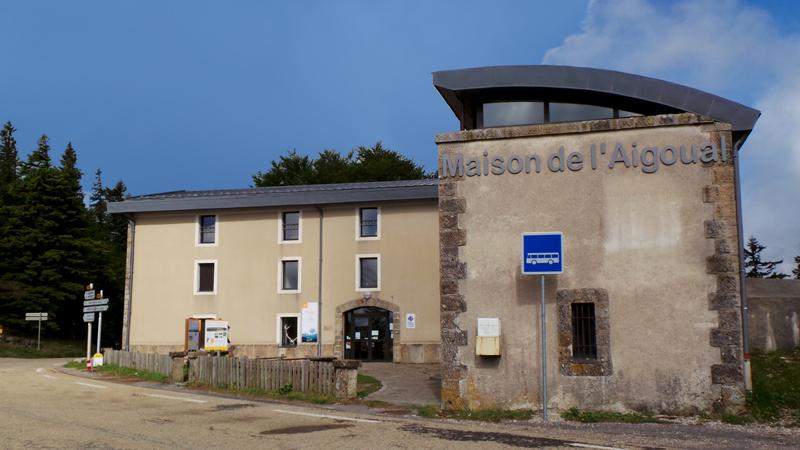 La Maison de l'Aigoual est le point de départ des sentiers.