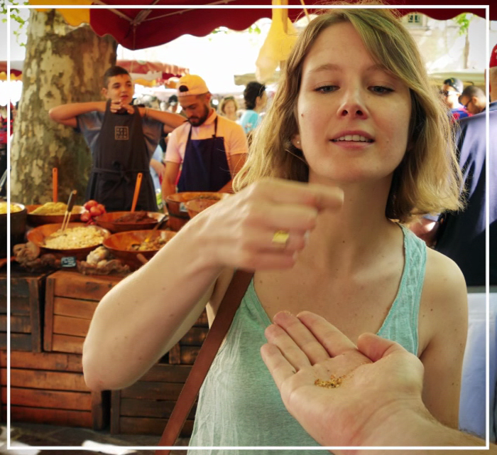 Sur le marché d'Uzès