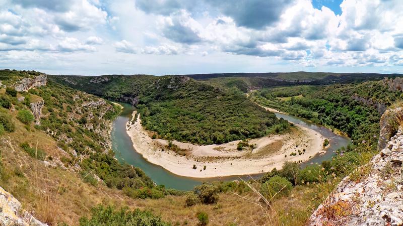 Les Gorges du Gardon font partie des plus beaux paysages du Gard.