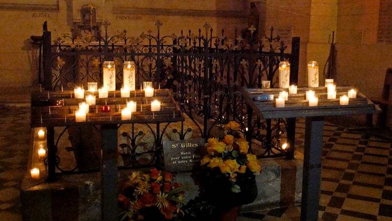 Le tombeau de Saint Gilles dans la crypte de l'Abbatiale.