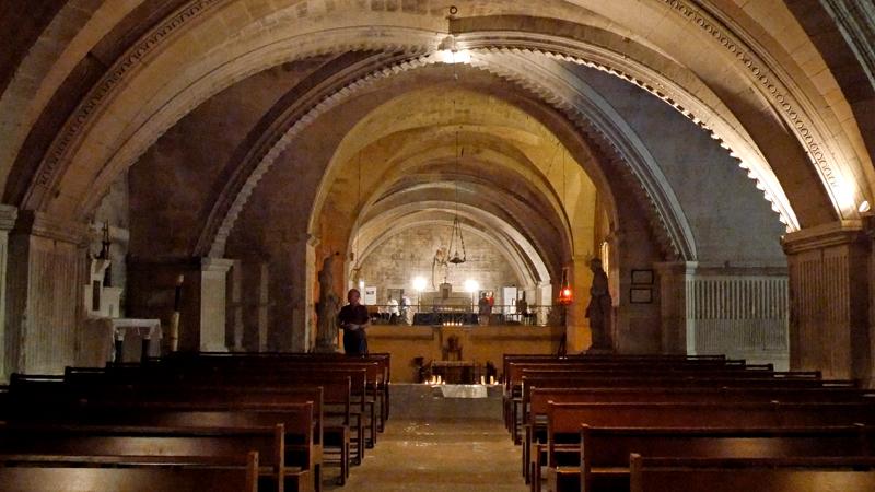L'Abbatiale de Saint Gilles possède une crypte monumentale.
