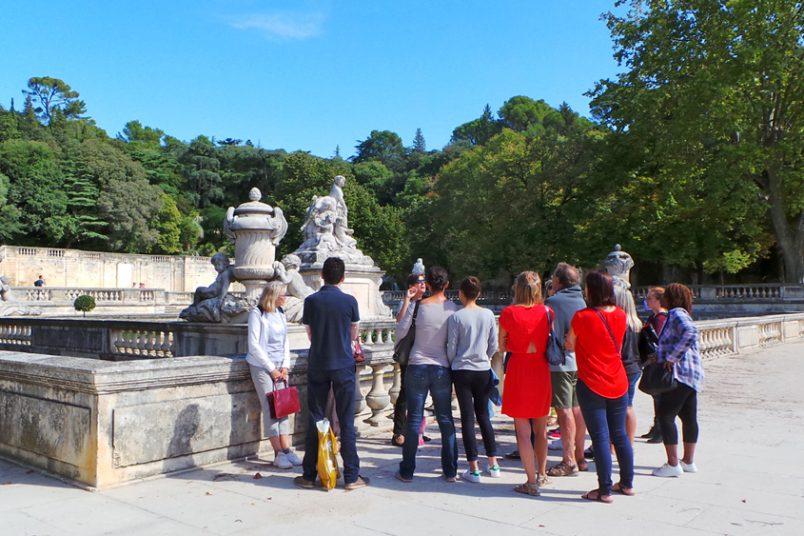 Visitez en famille les magnifiques Jardins de la Fontaine à Nîmes.